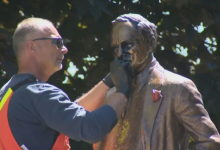 Photo of Statue of Pierre Elliott Trudeau in Vaughan park vandalized