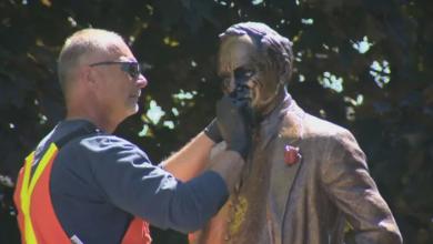 Photo of Statue of Pierre Elliott Trudeau in Vaughan park vandalized