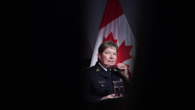 Photo of Number of mental health calls Mounties respond to growing exponentially, Lucki says