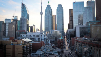 Photo of Toronto residential rents dropping because of COVID-19, figures suggest
