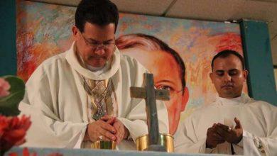 "Photo of Bispo venezuelano alerta: ""ou morremos do coronavírus ou de fome"""