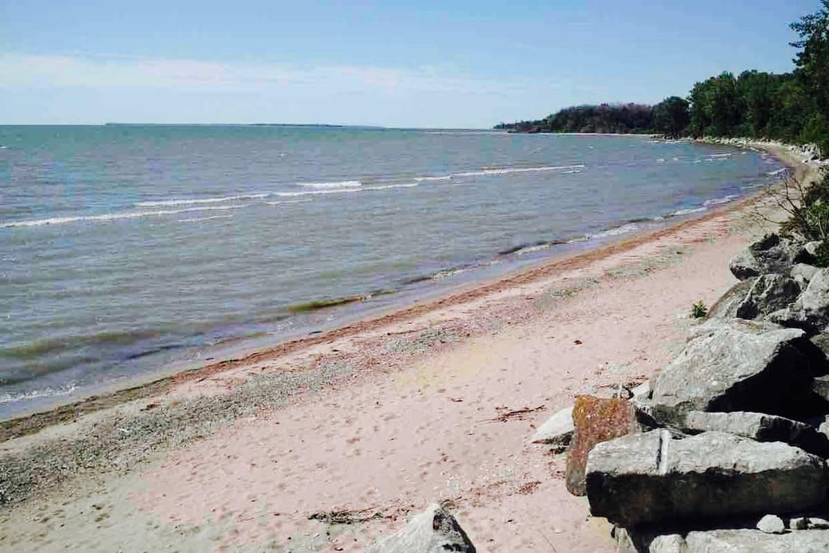 Pelee Island, praia e bom vinho-praia-temacapa-mileniostadium