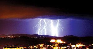 Trovoada raios e trovões-ambiente-mileniostadium