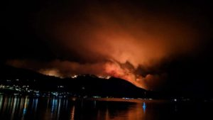 Hundreds evacuated, thousands on notice as wildfire flares in southern BC-Milenio Stadium-Canada