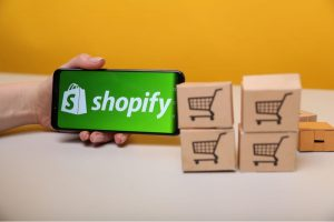 Eletronic commerce and consumers-shopify-temacapa-mileniostadium