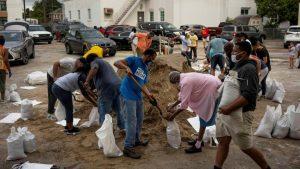 Hurricane Laura strengthens in Gulf-population-mundo-mileniostadium