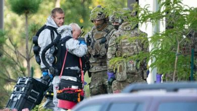 Photo of RCMP raid condo on Montreal's South Shore in connection with poison-laced letter mailed to White House