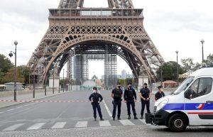 Torre Eiffel em Paris evacuada após ameaça-paris-mileniostadium