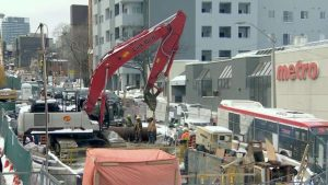 Crosslinx confirms 28 COVID-19 cases at LRT construction sites in Toronto-Milenio Stadium-Ontario