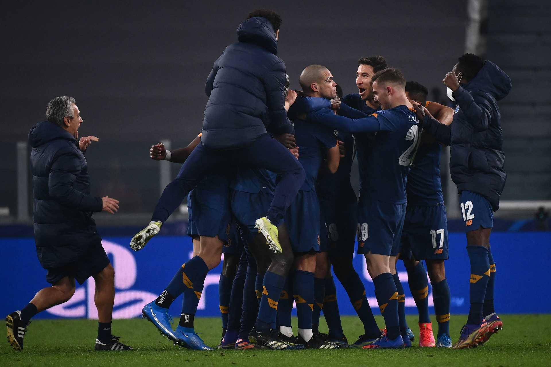 """F. C. Porto elimina Juventus e está nos """"quartos"""" da Champions"""