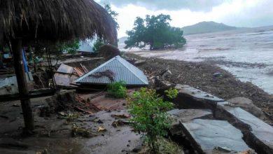 TOPSHOT-INDONESIA-DISASTER-FLOOD