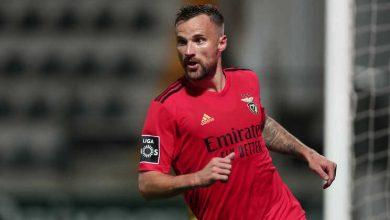Seferovic eleito jogador do mês de março