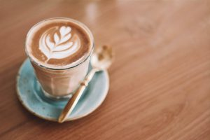 Enfim… lendo noticias com um café-portugal-mileniostadium