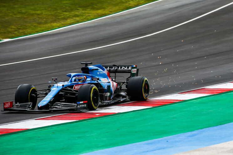 Fernando Alonso foi o mais veloz no Algarve. Passou os 300 km/h